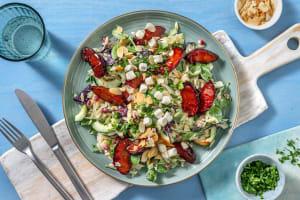 Sommerlicher Orzo-Salat mit Balsamico-Pflaumen image
