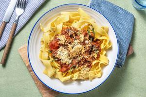 Tagliatelle med portobello- och tomatsås image