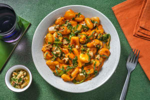 Vegane Gnocchi in Spinat-Tomaten-Sauce image