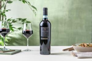 Volle rode wijn - Valpolicella, Italië image