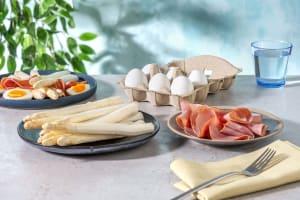 Witte asperges met ham en ei image