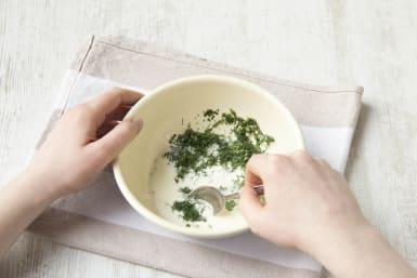 Prepare yogurt sauce