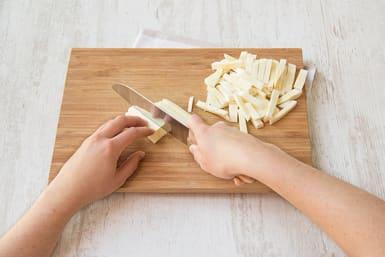 Prepare parsnip fries
