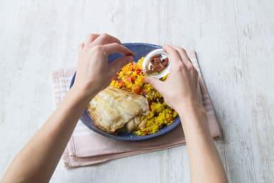 Verdeeel de rozijnen-pittenmix over het gerecht, eet smakelijk!