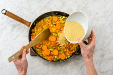 Couscous zufügen