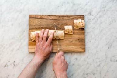 Pizzaschnecken schneiden