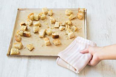 Make the garlic croutons