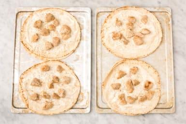 4 ASSEMBLE PIZZA