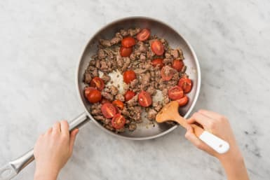 Cook Tomatoes and Garlic