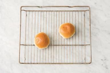 bake burger buns