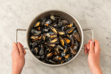 COOK MUSSELS