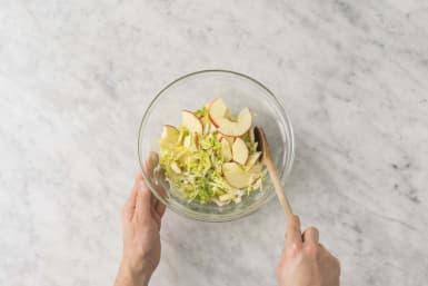 Laga äppelsallad