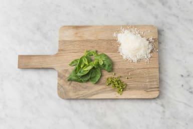 Förbered ost & basilika