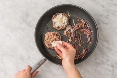 Cuire le steak haché