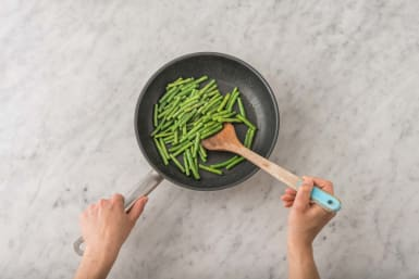 Garlicy Green Beans