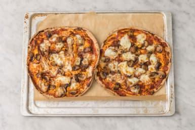 Enfourner les pizzas