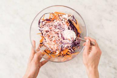Préparer le coleslaw