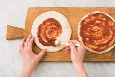 Garnir la pizza