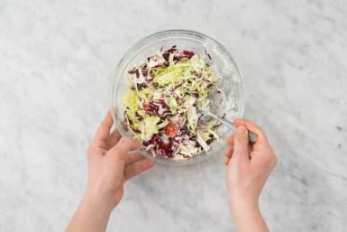 Mélanger la salade