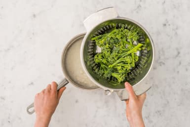 Brokkolini kochen & anrichten