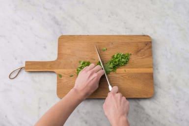 Förbered grön salsa