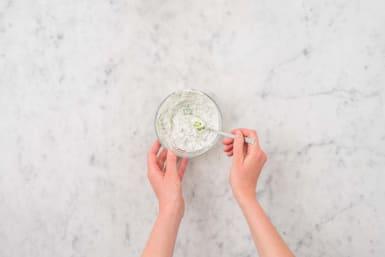 Munt-yoghurtsaus maken