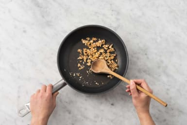 Toast walnuts