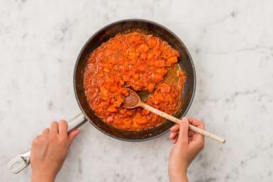 Préparer la sauce tomate