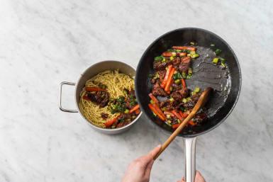 Assemble Cantonese noodles