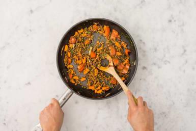 Restliches Gemüse hinzufügen