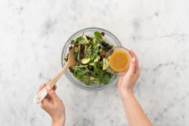Salat marinieren