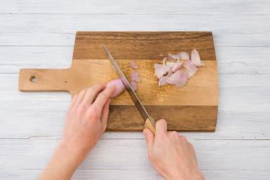 Slice the shallot