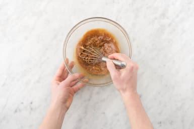 Make sesame peanut sauce