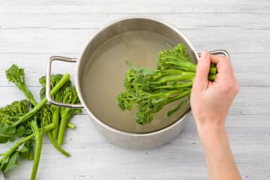 Cook the fettuccine and broccoli
