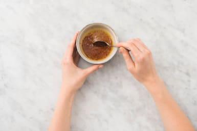 Make Chili Honey Oil