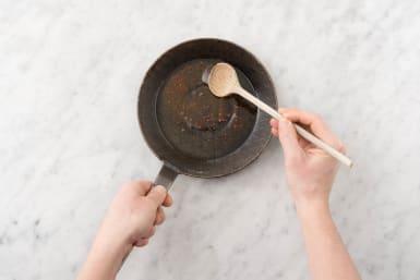 Make Spiced Oil