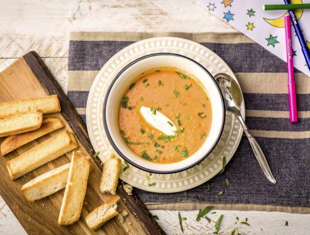 Oranje soep met parelcouscous