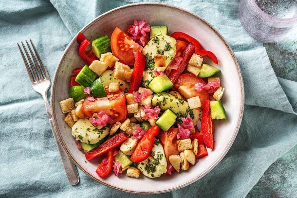 Bunter Halloumi-Brot-Salat