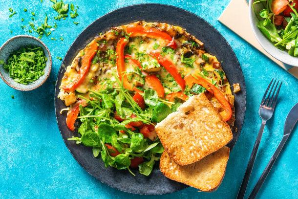 Omelette paysanne et salade verte