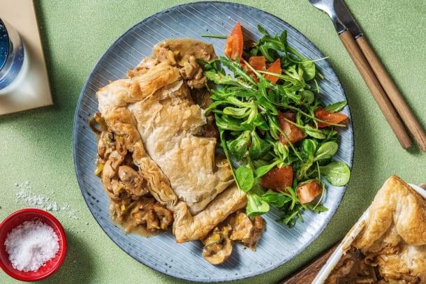 Tourte de poulet aux poireaux, champignons et romarin