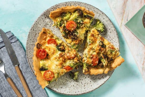 Quiche met broccoli, cherrytomaten en oude kaas