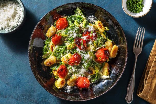 Gesunde Gerichte - Caesar-Salat mit gebratenen Gnocchi