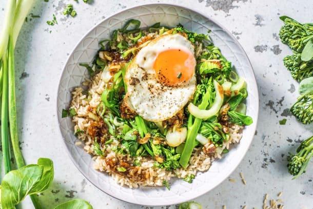 Snelle gerechten - Chinese groente met zoete Aziatische saus en een ei