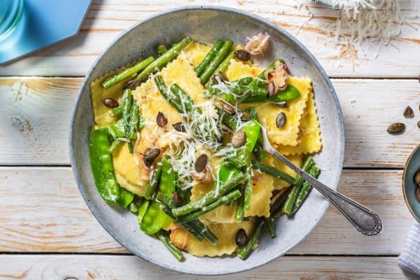 Snelle gerechten - Verse ravioli gevuld met bloemkool en beurre noisette