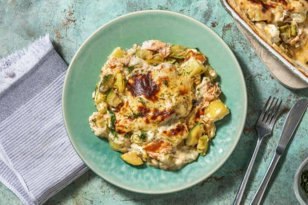 Romige aardappelschotel met warmgerookte zalm