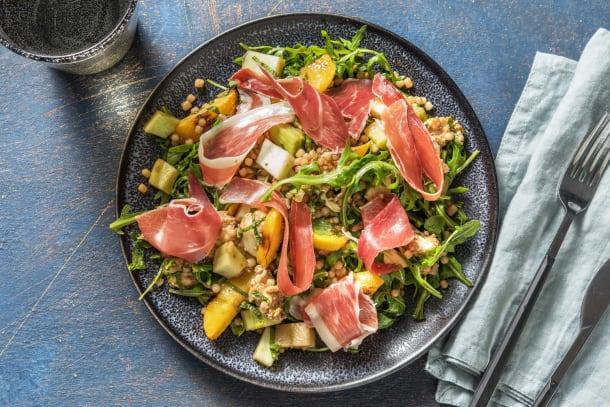 Snelle gerechten - Salade met geroosterde perzik en serranoham