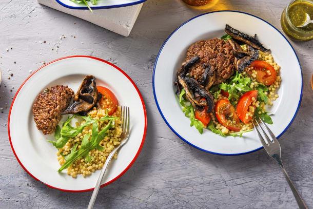 Snelle gerechten - Salade met Duitse biefstuk en pestodressing